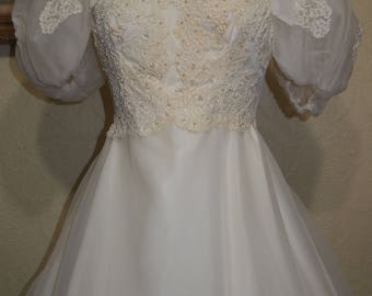 sale vintage CREAM LACE ORGANZA Wedding Gown size 10-12 Large Puff Sleeves steampunk wedding gown pagan wedding gown victorian wedding gown