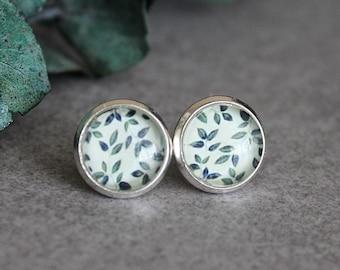 Green Stud Earrings, Green Earrings, Green Ivy Earrings, Green Post Earrings, Nature Earrings, Leaf Earrings, Leaves Earrings, 10MM