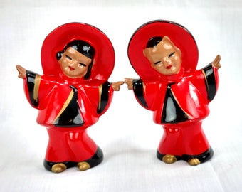 Kreiss Salt And Pepper Shakers Chinese Couple In Imperial Red And Black, Hand Painted, Kreiss & Co, Japan, Vintage Shakers, Asian Decor