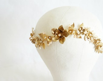 Gold garden bridal hair vine, Gold bridal crown, Bridal leaves head piece, Bridal tiara, Floral crown, Woodland, Gold bridal, Bridal Belt