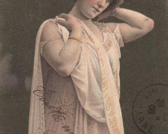 Vintage French Actress Postcard. Retro poscard. Belle epoque postcard.