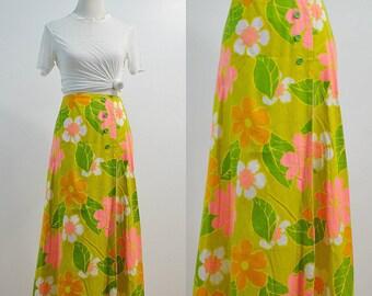 70s Hawaiian Maxi Skirt / Vintage 1970s Floral Wrap Skirt / Ankle Length Skirt / Green Floral Skirt / XS X-Small S / Hippie Boho Bohemian