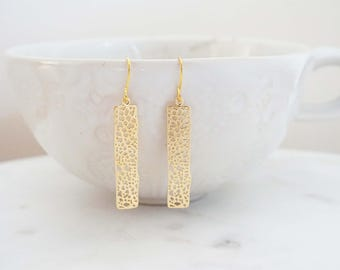 Gold Honeycomb Pattern Pendant Earrings