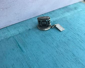 MOVES! Sterling Silver San Francisco Street Trolly Cable Trolly Car Bell Trading Post Pendant Charm 4.7g