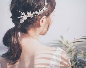Moonstone Headpiece, Bridal Headpiece, Bridal Hairpiece ESTELLE - Flexible Moonstones & Crystals Headpiece