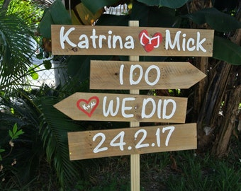 Gift for wedding. Rustic wedding beach sign. I Do We Did Vows arrows sign. Flip flops for wedding guests