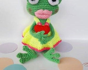 Crochet frog - Green frog amigurumi - Funny toy - Frog nursery decor - Toddler girl toy - Stuffed frog toy - Baby girl toy - Toddler gift