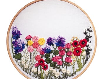 Printable // Flower Hand-Embroidery Pattern, DIY embroidery art, Embroidery, Beginner Kit, DIY home decorating project, Floral Art,
