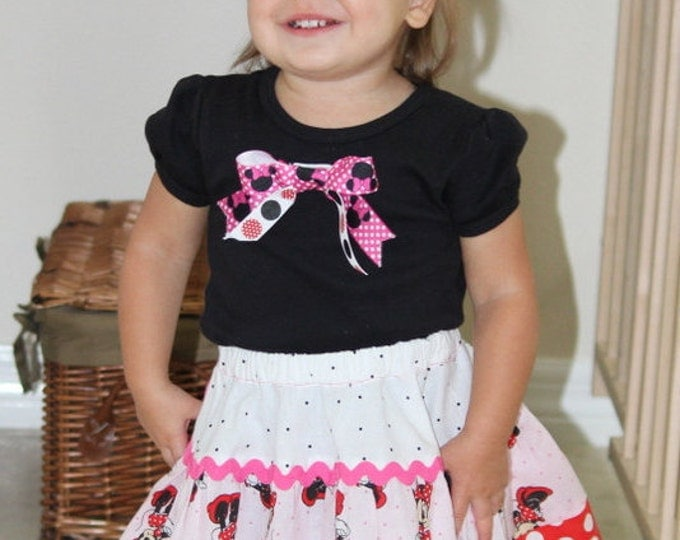 Personalized Minnie Mouse shirt with three tier skirt, Minnie mouse set, Minnie mouse outfit, minnie mouse bow
