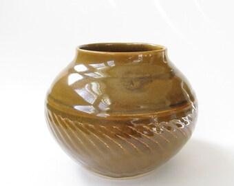 Ceramic Vase, Flower Vase, Pottery Vase, Brown Vase, Gold Vase, Pottery Vessel, Wheel Thrown Pottery, Handmade Pottery, Pottery Flower Vase