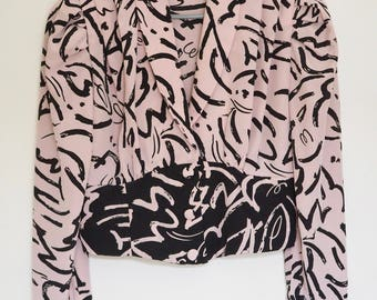 80s Cropped Blouse - Power Dressing Classic - Pale Pink and Black Design, Rouched Top - Size Medium