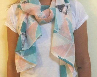 Cotton Feel Scarf with Triangle Pattern