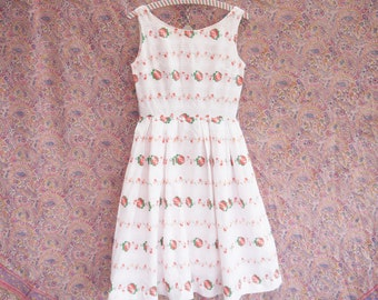 1950s 50s dress Vintage white floral print Sleeveless pleated skirt Formal dress Handmade casual summer day dress small size