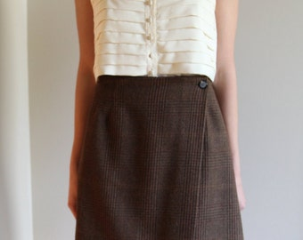Vintage Plaid Front-Wrap Wool Skirt -Flattering A-line Shape- Size 6