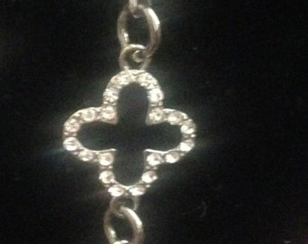 Diamond Looking Chain Bracelet