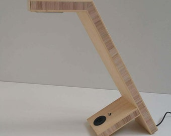 Design Desk Light High quality with dimmable LED, touch key, USB charger made of Bamboo