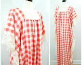 Vintage Lace Caftan, Gingham Check Caftan with Cream Lace Trim, Hippie Festival BOHO Dress, 70s Maxi Picnic Check Dress