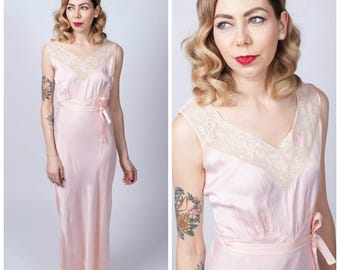 Vintage 1940's Bias Cut Pale Pink Slip with Lace Trimmed Neckline/ Long Pale Pink Satiny Slip/ Nightgown Lingerie Size Large/ X-large