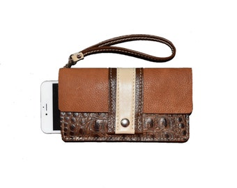Brown Leather iPhone 7 Plus Case, Leather iPhone 7 Plus Case, iPhone Wallet, Wristlet, iPhone 6 Plus Purse, iPhone Purse