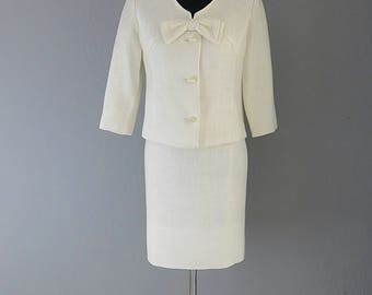 Rare 1950s Hal Krasell Ivory Linen Large Bow 2-piece Suit/ Jackie O/Classic/Bride Attire/ Mother of Bride/Midcentury/Retro/California