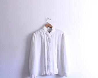 Minimal White Pleated 90s Blouse