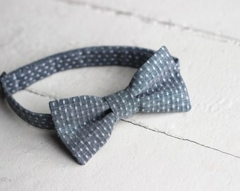 Mens Chambray bow tie, Mens Blue bow tie, Mens Easter Bow tie, Blue wedding, Mens Bow Tie, Blue Chambray bow tie, Mens Denim Bow Tie
