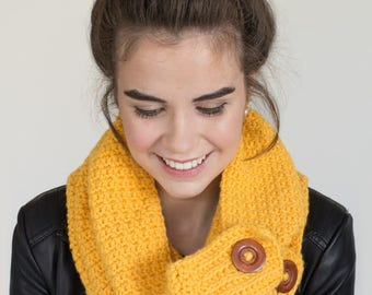 CROCHET PATTERN - Honeycomb Button Scarf, Chunky Textured Cowl