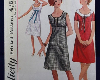 1960's Sewing Pattern for a Dress in Size 12 - Simplicity 5961