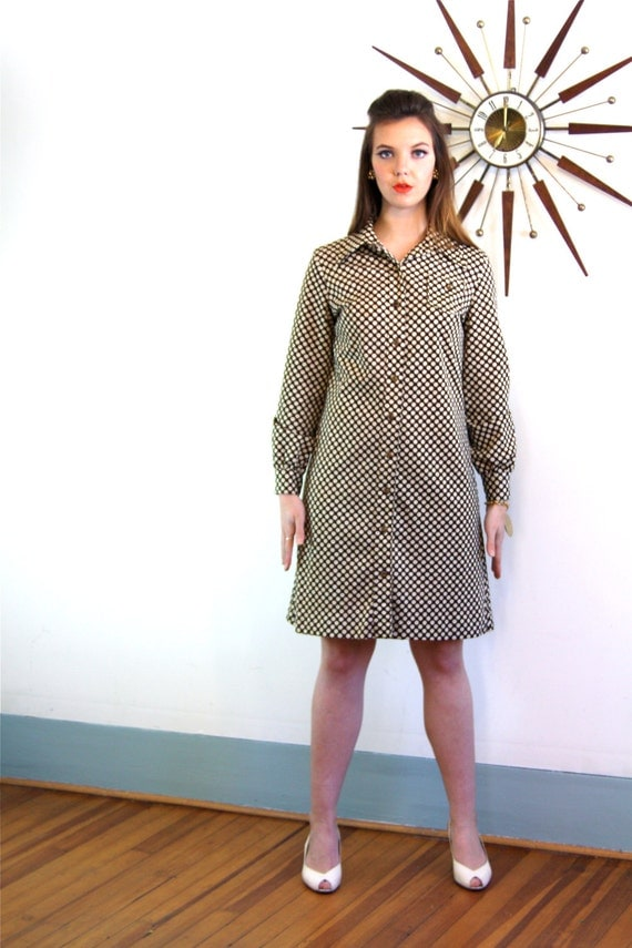 Vintage 60s Mod Mini Dress Brown & White Polka Dots Long Sleeve Cuffs Big 1970s 70s Butterfly Collar Go-Go 1960s MAD MEN Shift Sz Large