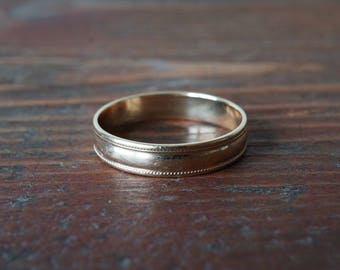 1970s Vintage 10K Yellow Gold Milgrain Wedding Band