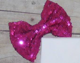 Add a Bow!! Please add a bow to my sequin Shorts or Pants outfit please! Momma Mays
