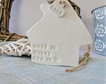 Home is where mum is : White clay house ornament & personalised tag ~ custom gift for mothers day