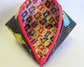 Zipper Pouch - Coin Purse - Mini Storage Pouch - Wonder Clip Bag - Sweet Pea Pod - Cosmetic Bag - Gift Bag - Fabric Pouch - Sewing Pouch