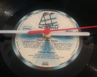Uhr aus Schallplatte MOTOWN LP Vinyl Deko Wall Clock Time