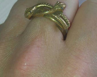 Vintage adjustable infinity snake ring. Gold plated unmarked.