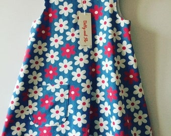 Play Dress in a Floral Chambray Size 3/4years