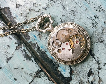 Frozen Time | Caliber necklace