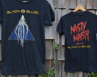 Band tee / Band t shirt / Rock shirt / Black tee  / Rock shirt / Vintage 1980s / Black n Blue / Metal rock / Hipster tee / Band tees