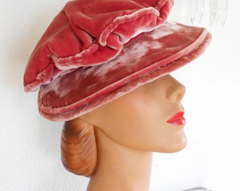Pretty 1940's Dusty Rose Velvet Hat/Beret