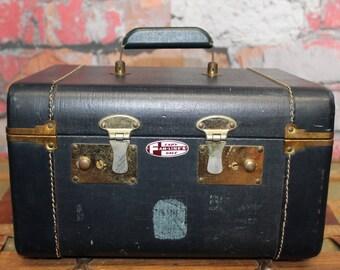 Vintage Lady Gale Fam Lines Train Case Suitcase, Navy Train Case, Old Suitcases, Old Luggage, Vintage Luggage, Suitcases,Suitcase Photo Prop