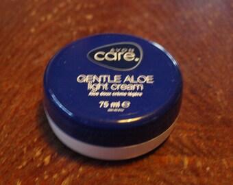 Avon Care Gentle Aloe Light Cream
