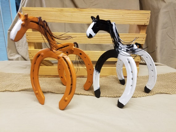 Horse statue horseshoe decor horseshoe art horse gift for How to decorate horseshoes