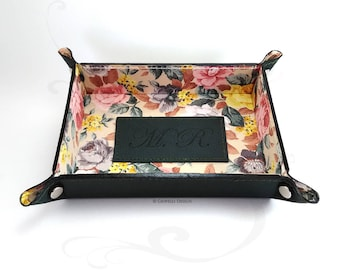 Leather Valet Tray / Catch all tray / key tray / leather Organizer / Personalized Gift / initials / Spring / Anniversary gift /Home Decor