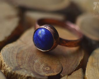 Copper ring with lapis lazuli