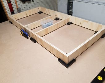 Cornhole board -  Frame Jig squares!