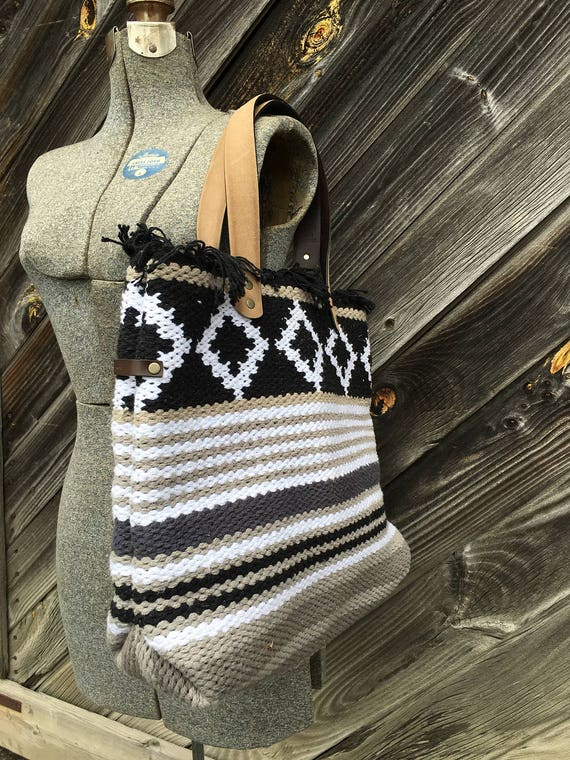 Woven fringe-top tote bag