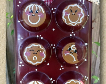Gingerbread Men ~ Muffin Tin ~ Hand painted ~ Cookies ~ Country Kitchen Decor