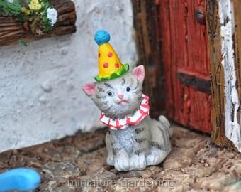 Birthday Cat for Miniature Garden, Fairy Garden