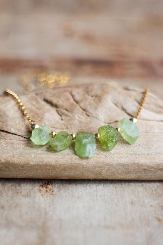 Raw Peridot Necklace, August Birthstone, Raw Crystal Necklace, Peridot Jewelry, Green Rough Stone Necklace, Five Raw Stone Jewellery