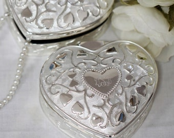 Heart to Heart Jewelry or Keepsake Box  (c167-1132-1) - Free Personalization